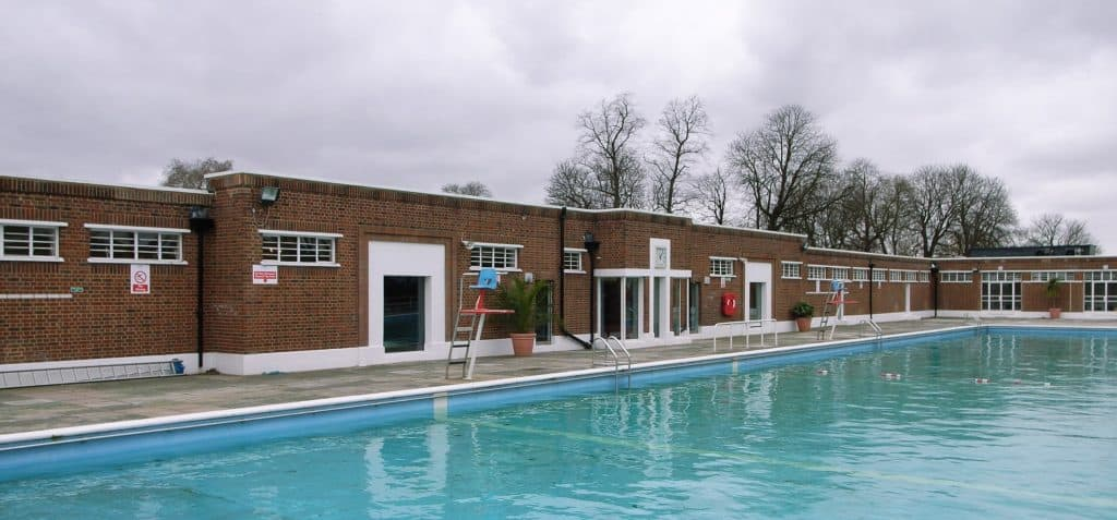 Brockwell Lido - 247 airport ride