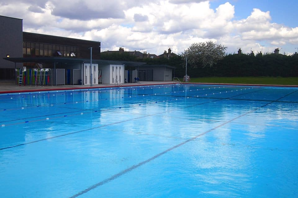 Hornsey Park Road Lido - 247 airport ride