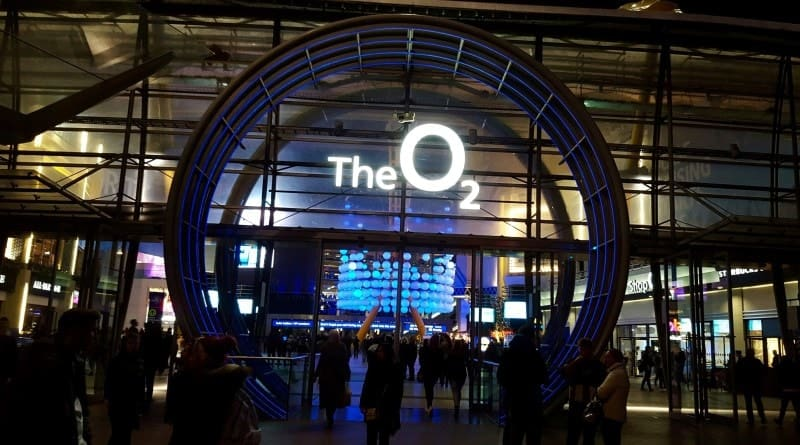 Rush in London's O2 Arena - 247 airport ride