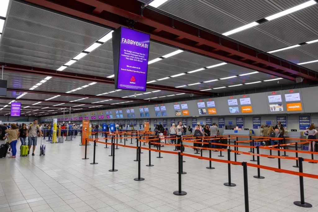 Luton Airport uk - 247 airport ride