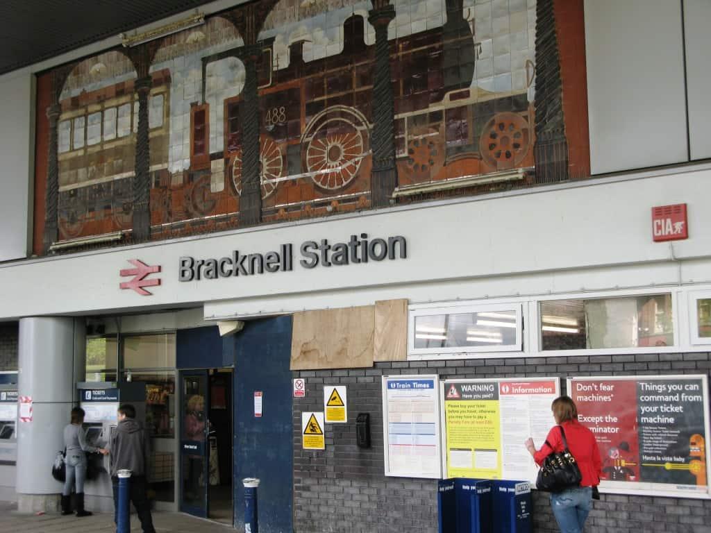 Bracknell Train Station - 247 airport ride